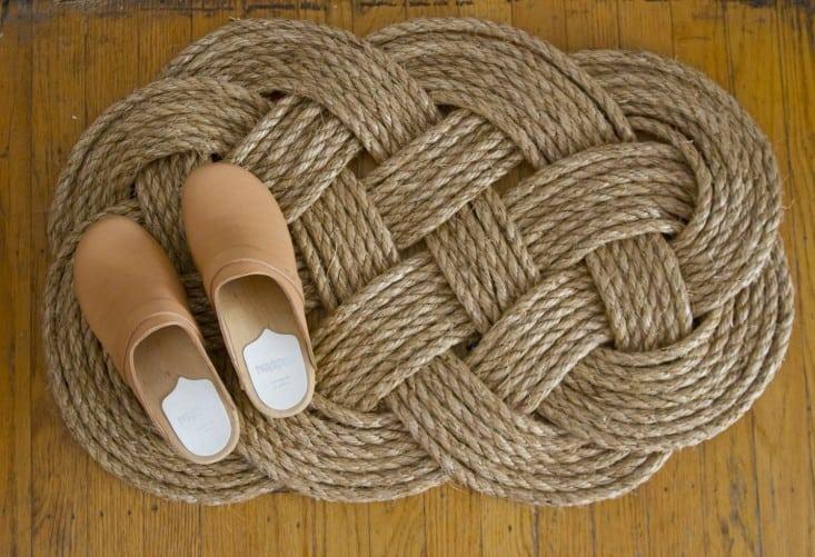 Woven rope floor mat