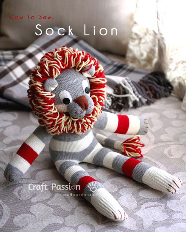 Yarn and sock lion