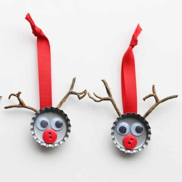 Bottle cap reindeers