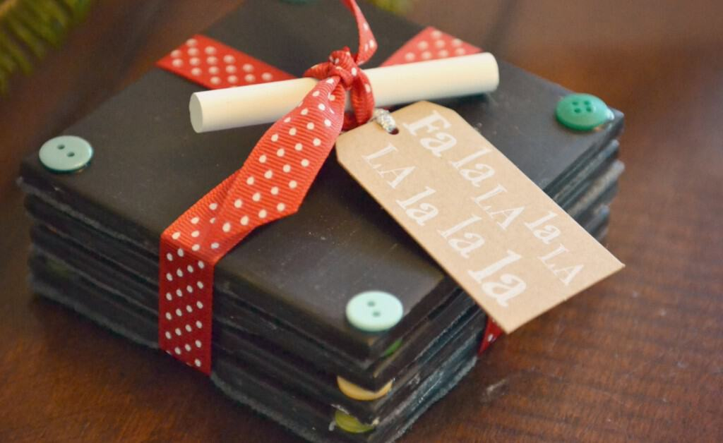 Christmas button chalkboard coasters