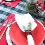 Dining with Cheer: Beautiful DIY Holiday Centerpieces and Table Settings