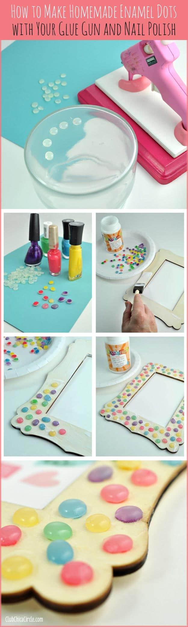 Hot glue coloured bead frame
