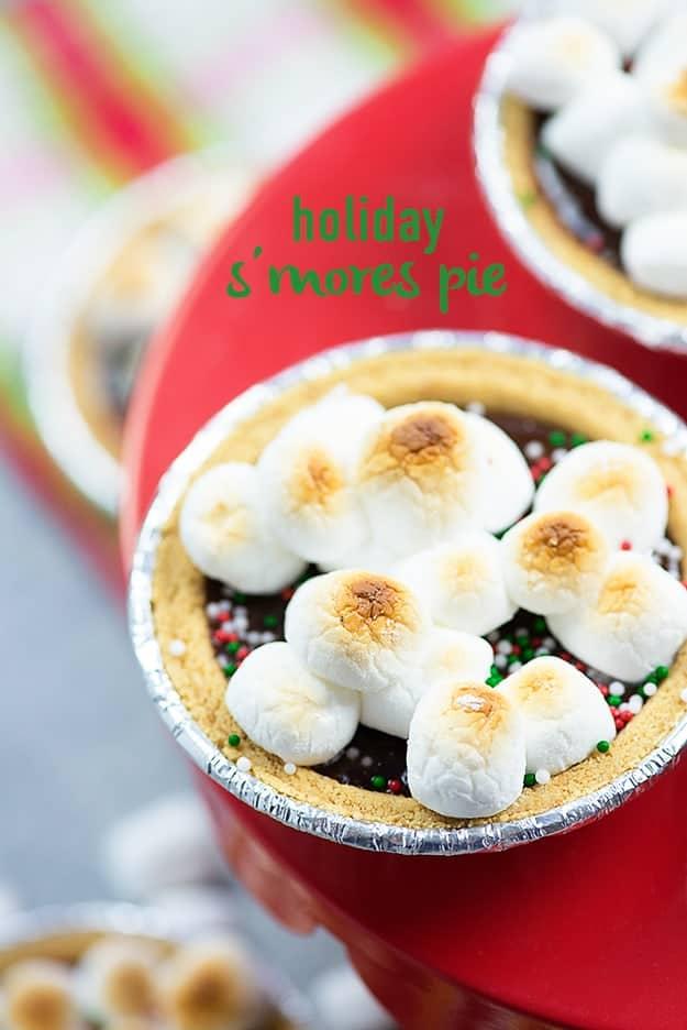 Mini Christmas S'more pies