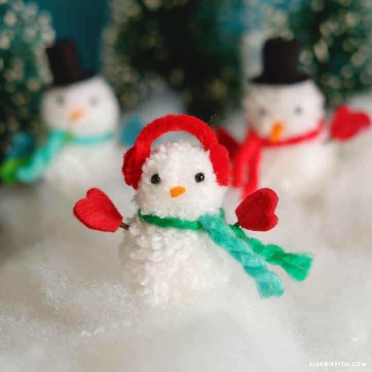 Miniature pom pom snowman