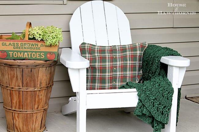 DIY no-sew plaid shirt pillow