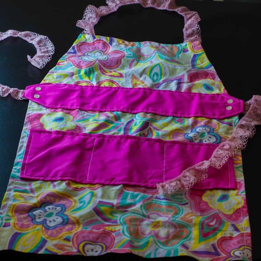 Kids' pillowcase apron