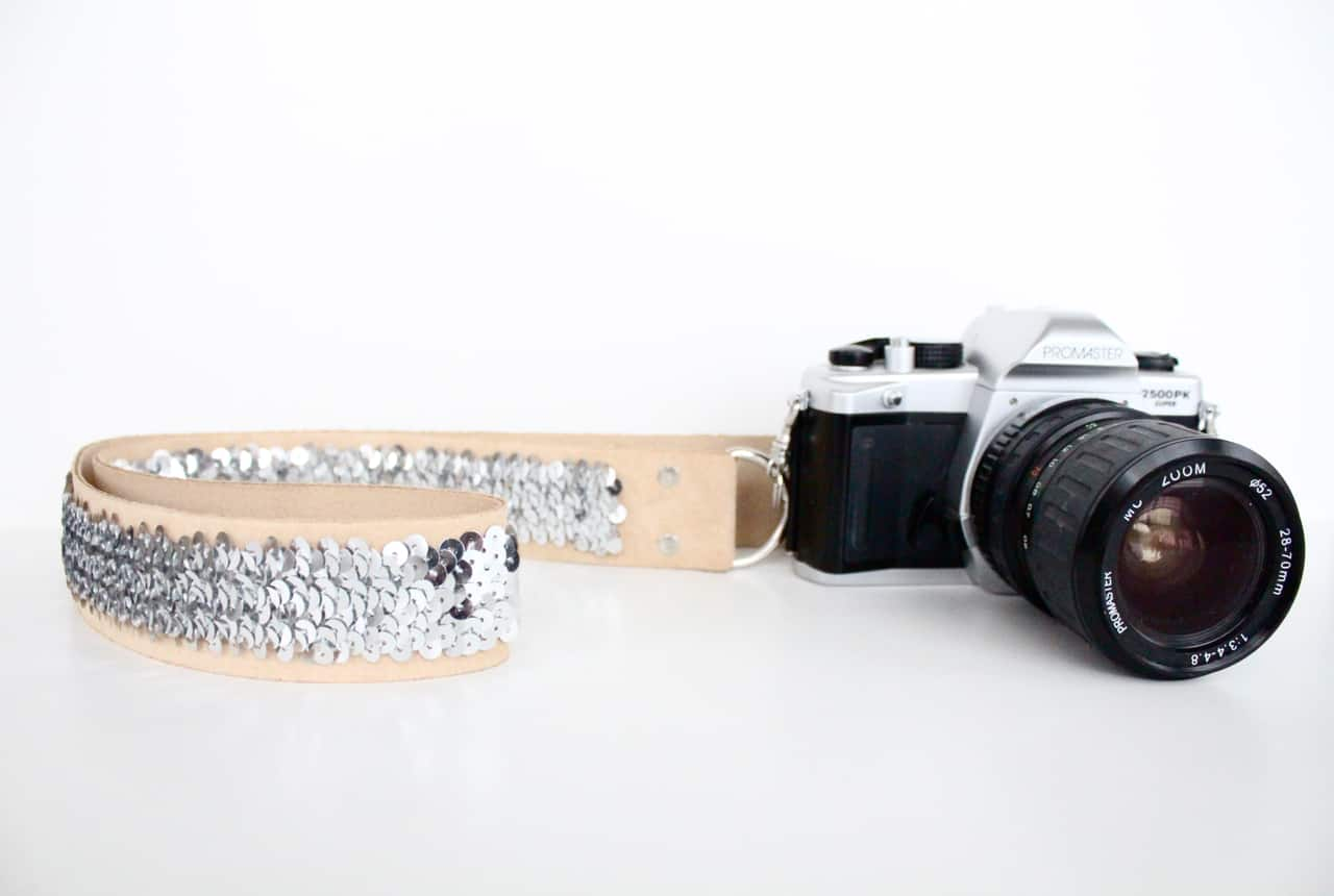 No-sew sequinned camera strap