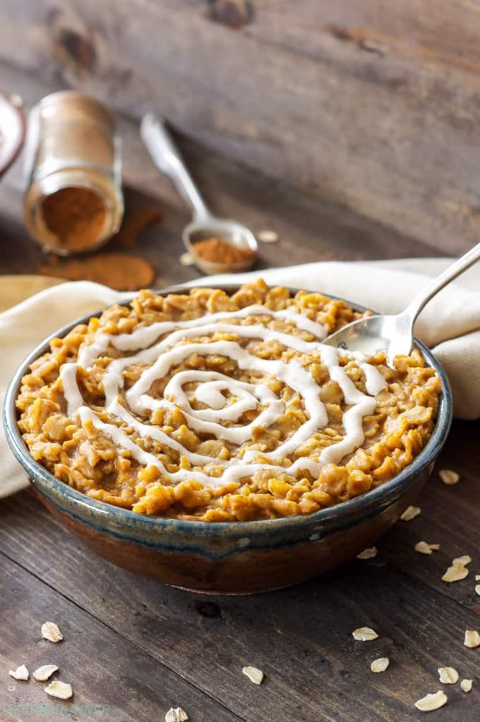 Pumpkin cinnamon roll oatmeal