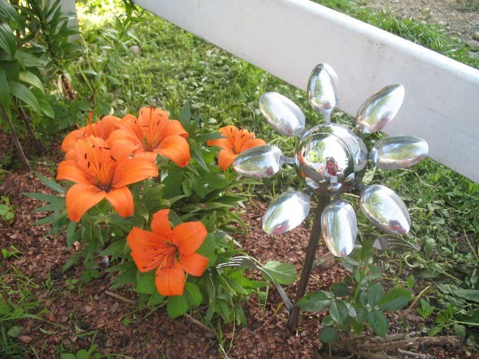 Spoon flower garden ornament