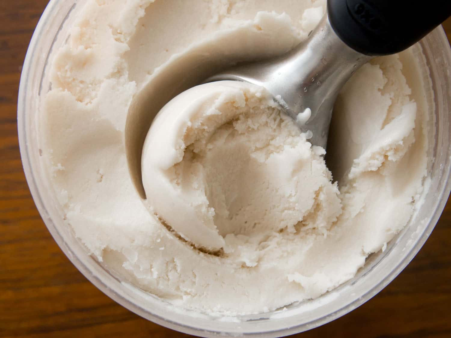 Vegan vanilla coconut ice cream