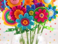 Felt button and straw flowers 200x150 Flower Power: Cute Floral Kids' Crafts for Spring, Summer and All Year Long!