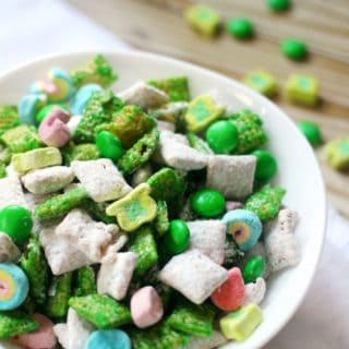 Green and Awesome: 15 Delicious St Patrick's Day Snack Ideas!