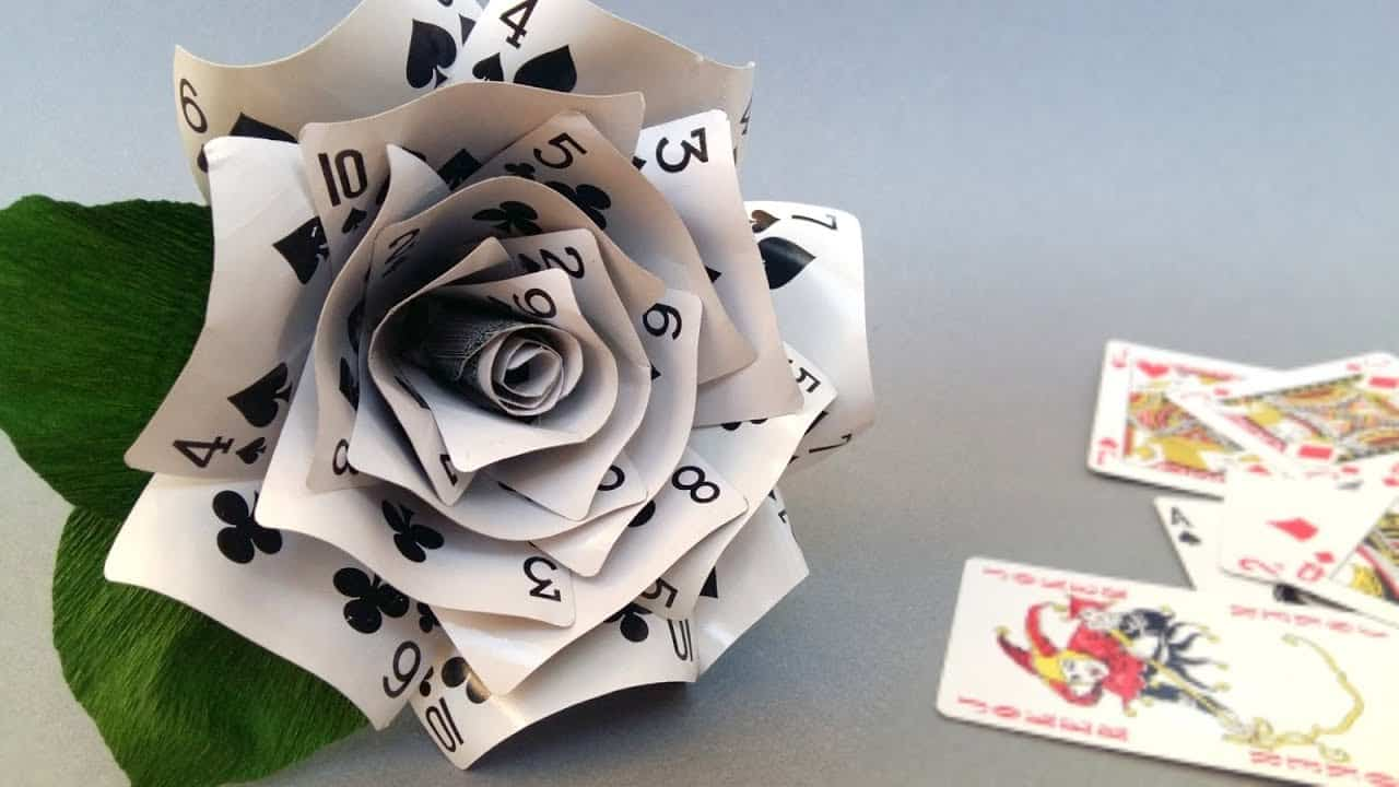 Advanced playing card flower