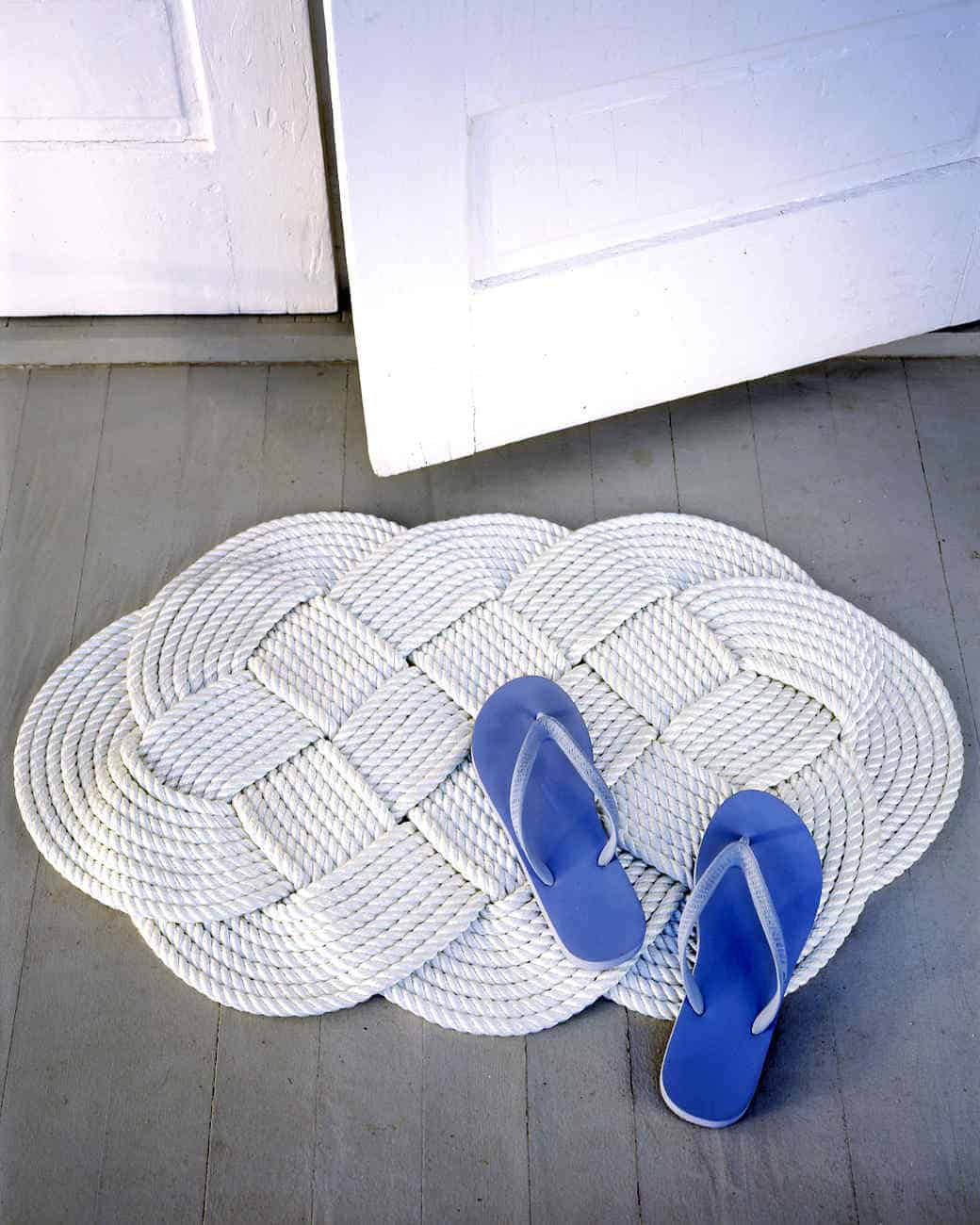 Braided rope door mat