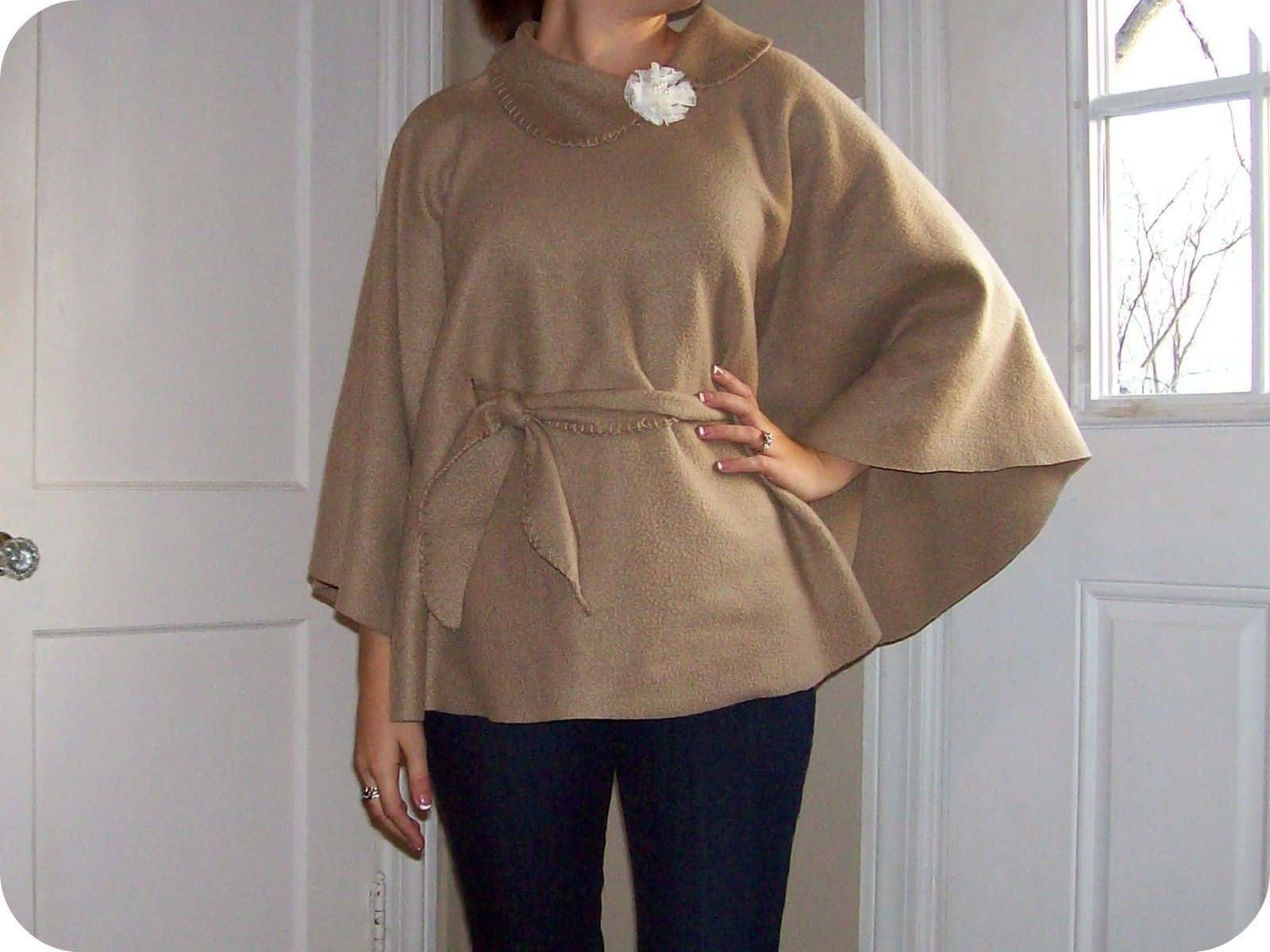 DIY no-sew fleece poncho and waist tie