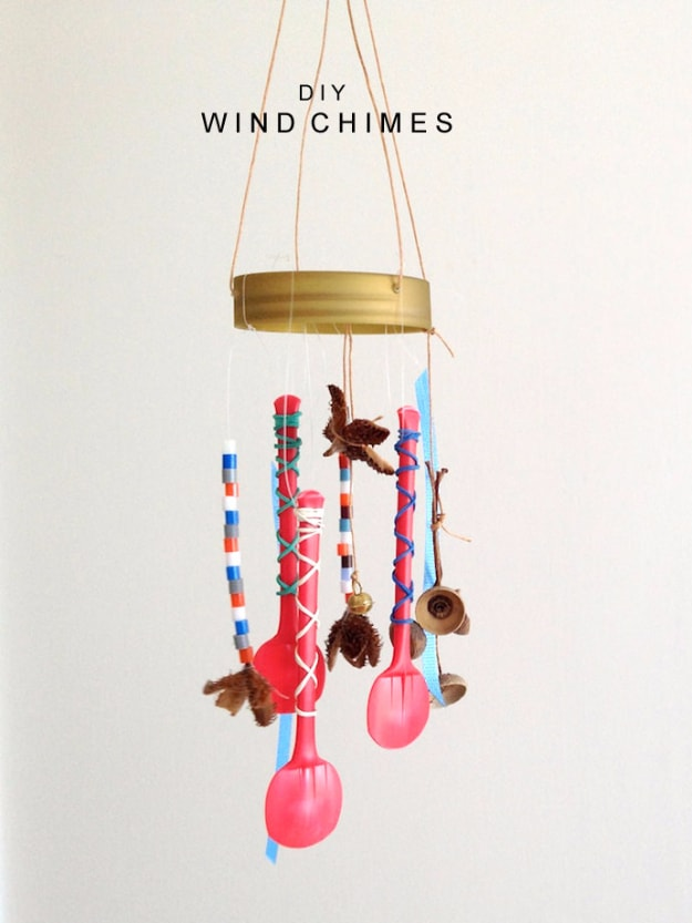 Plastic spoons wind chime