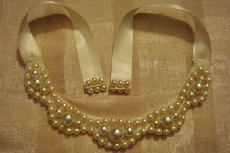 Chunky pearl bib necklace