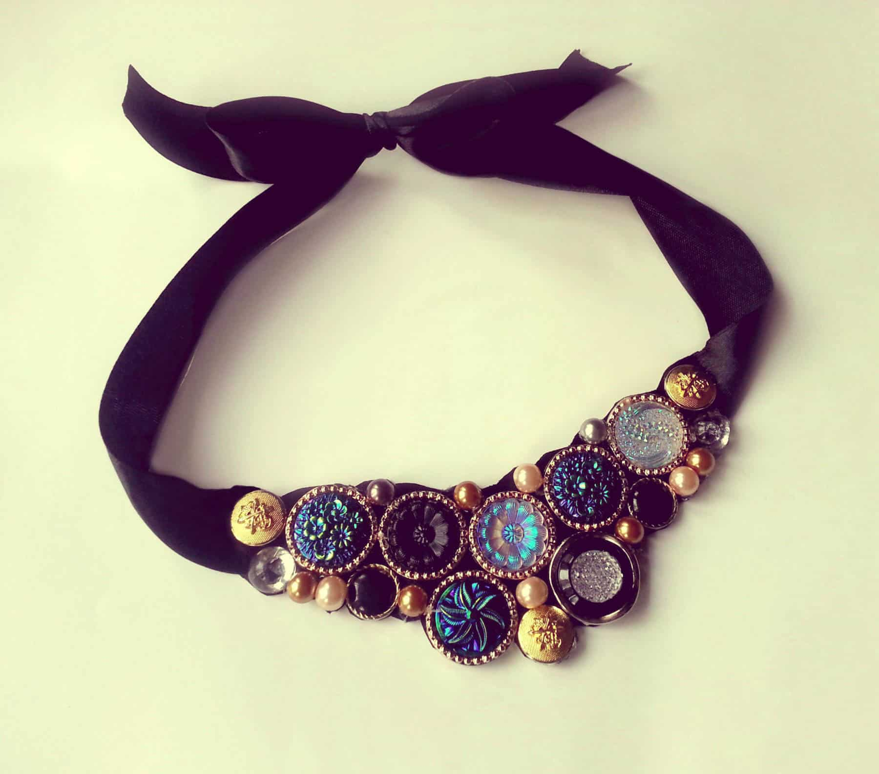 DIY vintage button collar necklace