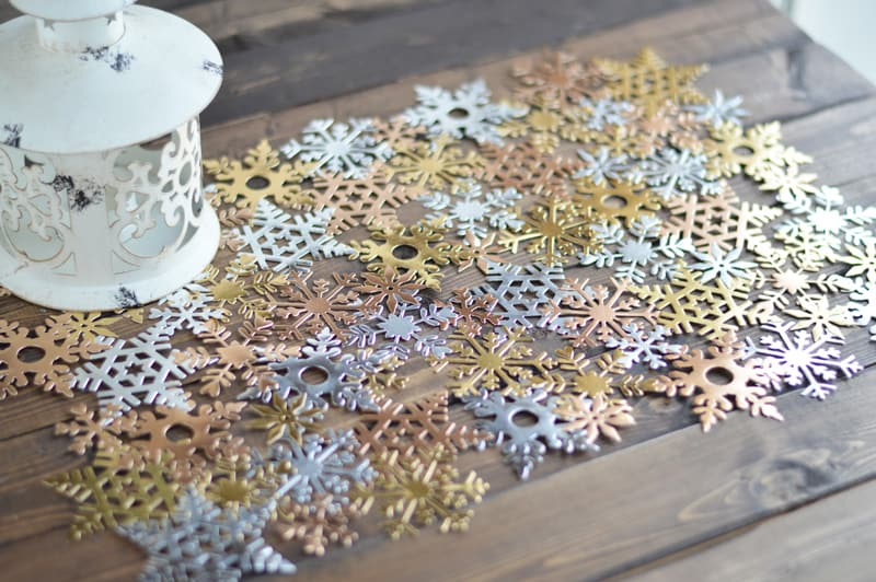 Die cut snowflake table runner
