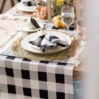 For that Perfect Dinner: 15 Lovely Homemade Table Runners