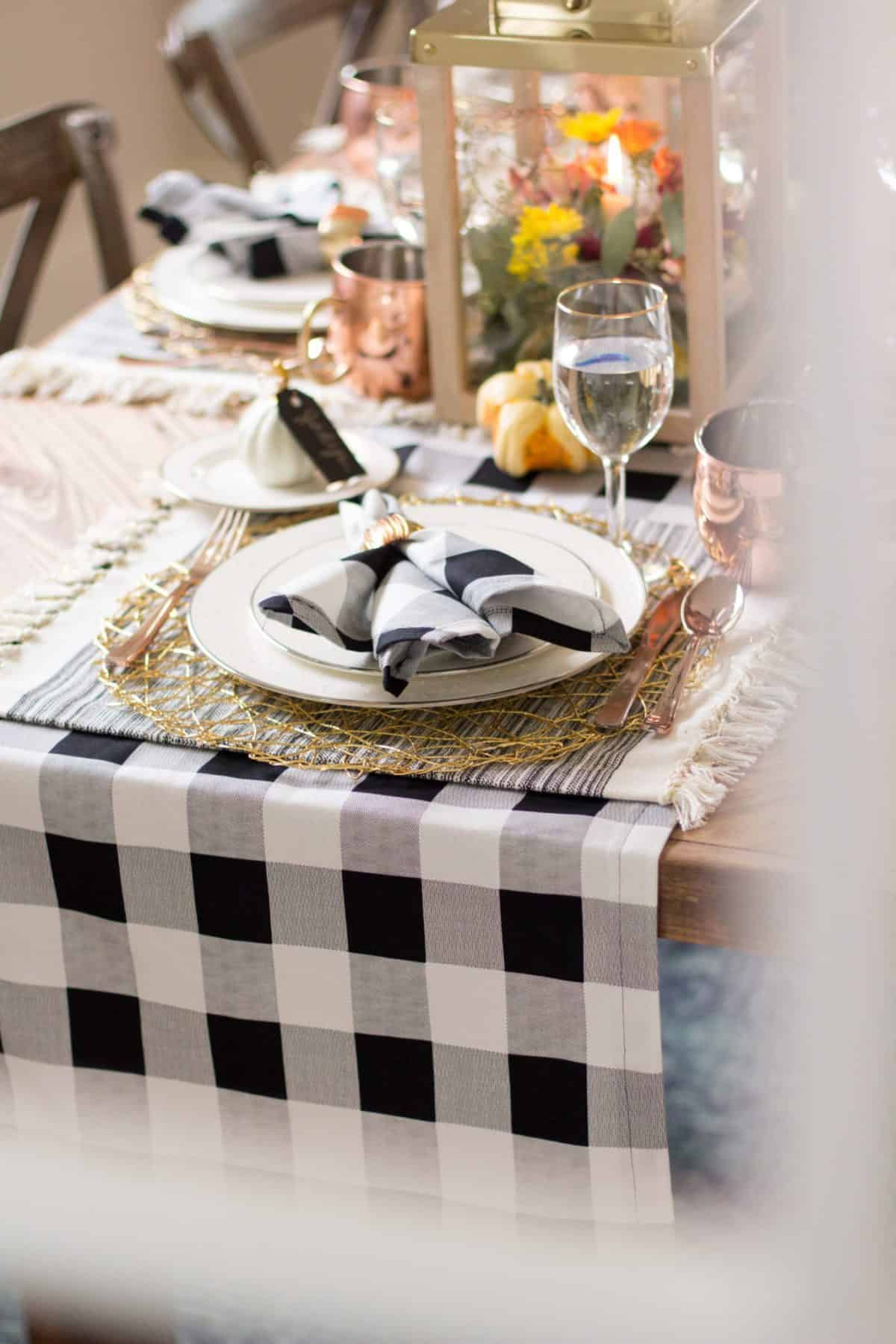 Matching DIY tabler runner and napkins