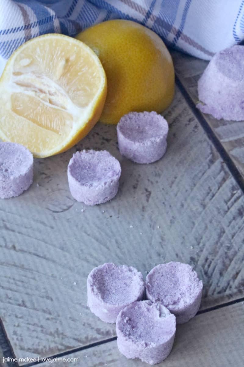 DIY mini lemon lavender bath bombs