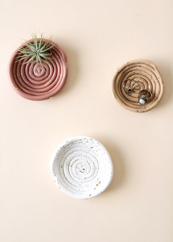 Spiralled clay ring dish