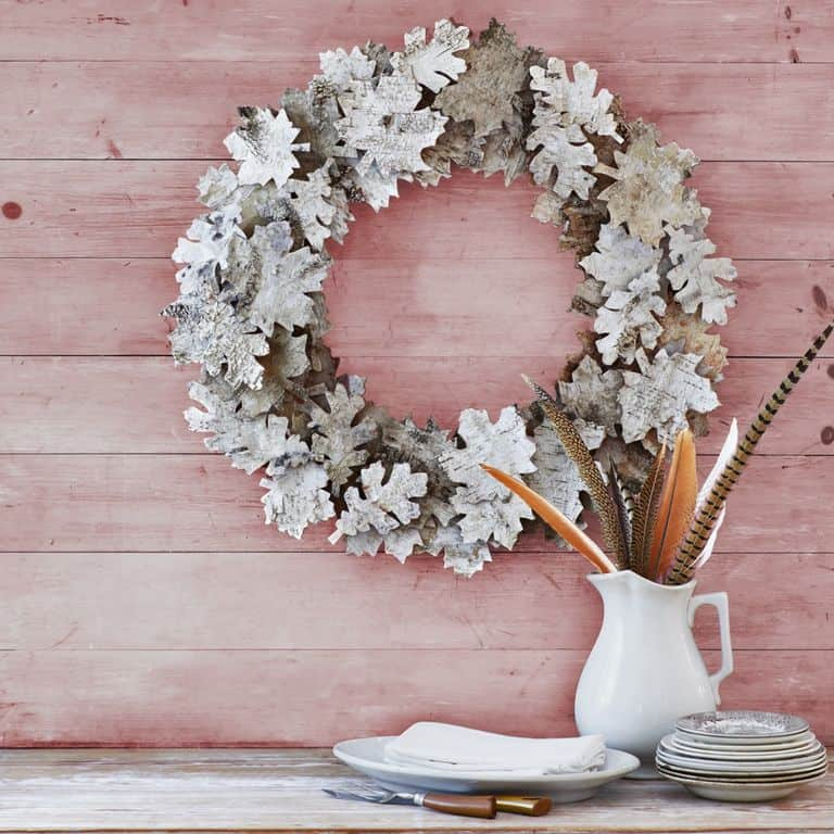 Birch leaf wreath 15 Beautiful Fall Leaves Crafts (Tutorials Included)