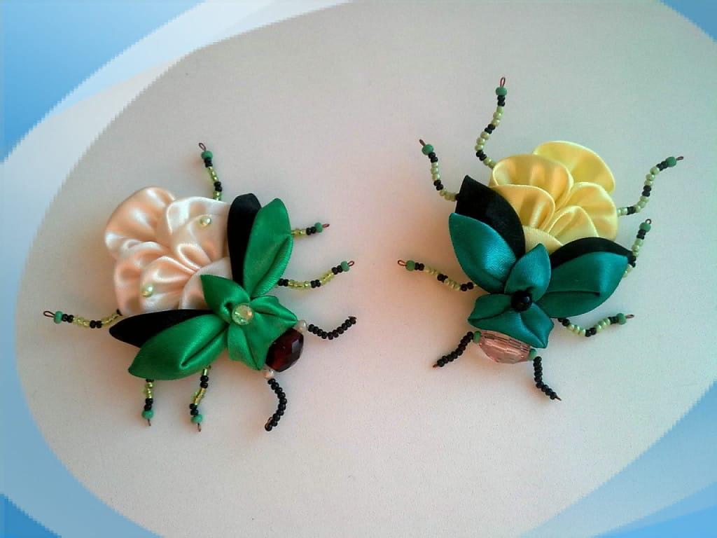 DIY Kanzashi beetles from satin ribbon