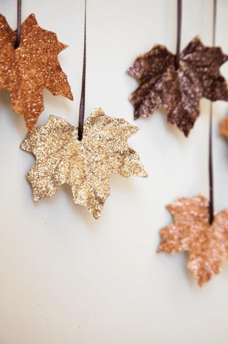 Glitter leaves garland