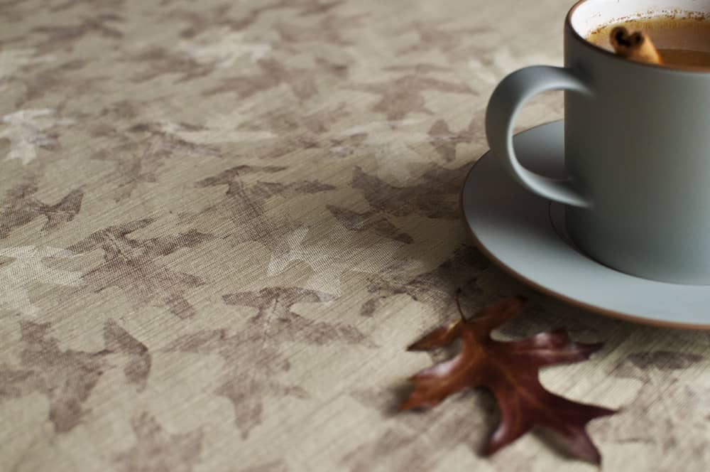 Leaf printed tablecloth