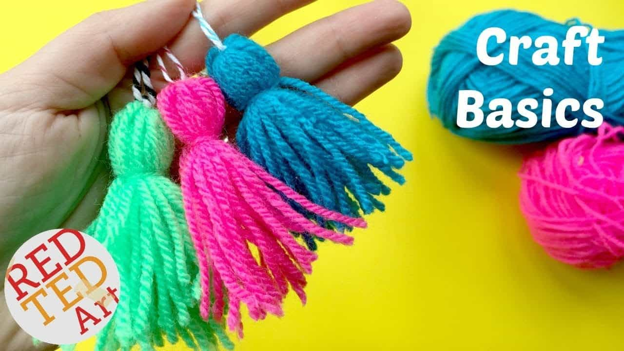 Quick and easy yarn tassels 15 Creative Yarn Projects that Look Awesome