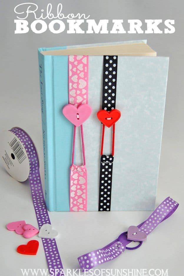 Ribbon and button elastic bookmarks