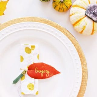 15 Beautiful Fall Leaves Crafts (Tutorials Included)