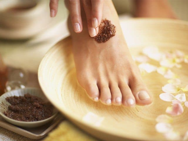 Coffee and almond oil homemade foot scrub