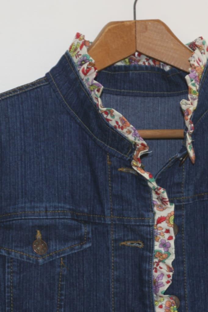 Cute denim jacket ruffle trim refashion