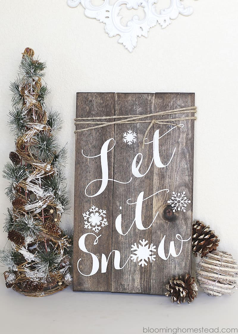 DIY winter woodland sign DIY Indoor Christmas Decorating Ideas and Projects