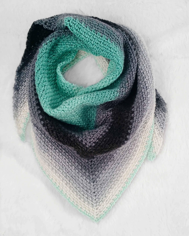 Moss stitch triangle crochet scarf