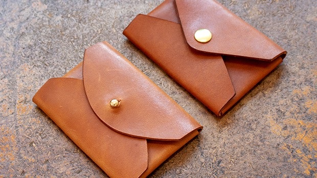 No-stitch leather card holder
