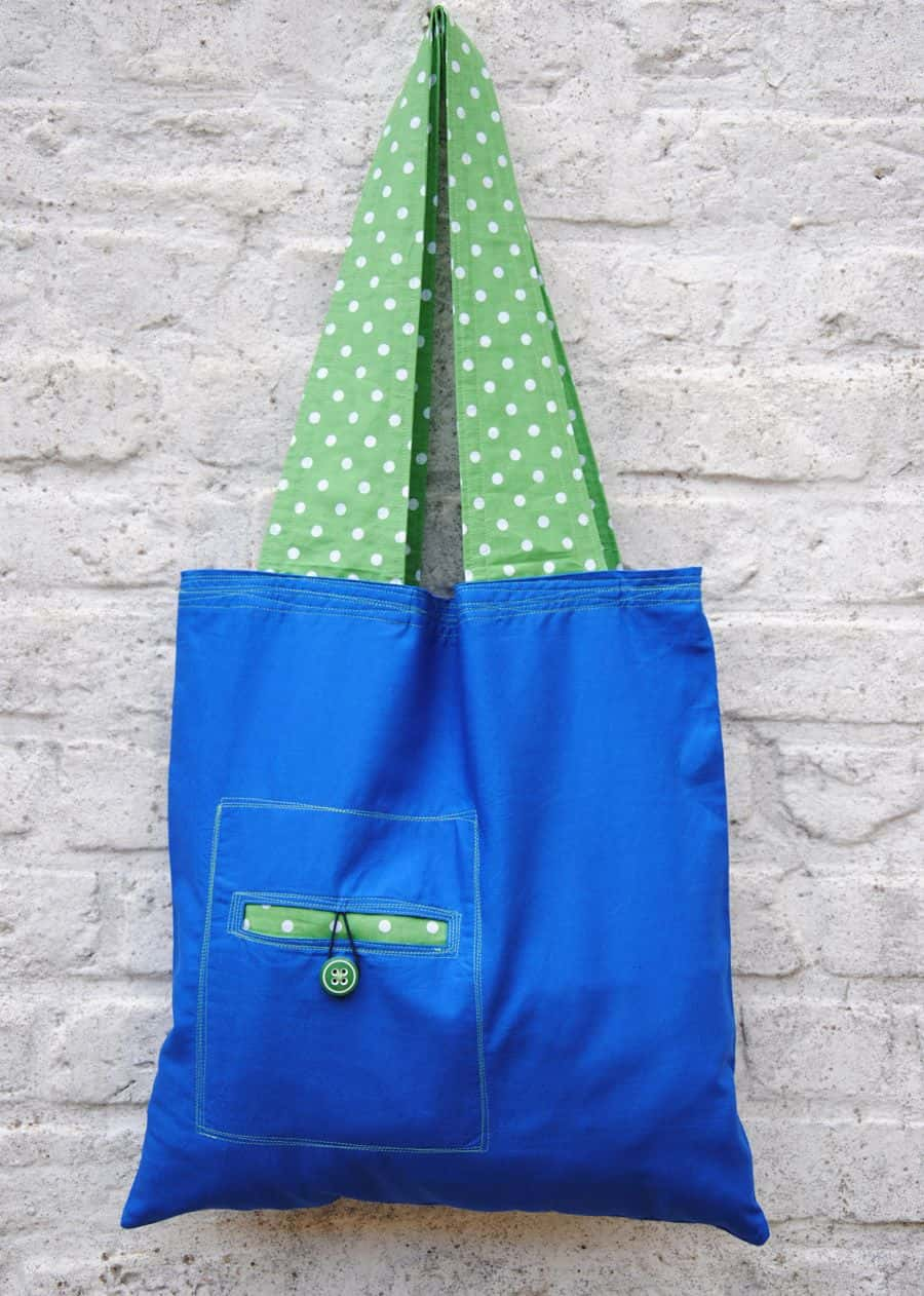 Reusable bag with wide straps