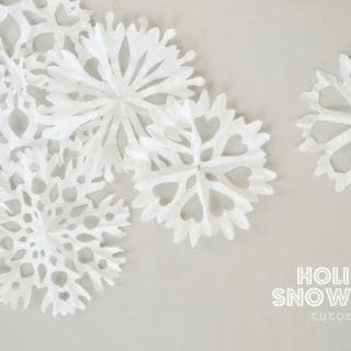 15 Best DIY Snowflake Crafts