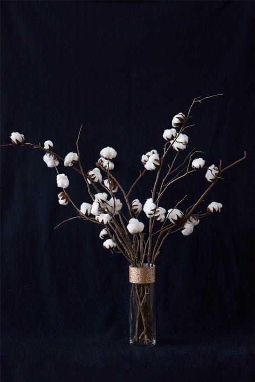 DIY cotton plant centrepiece 15 Winter Projects Made with Cotton Balls