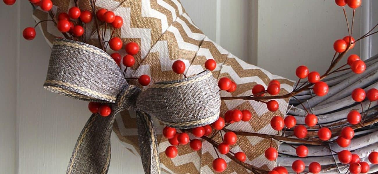 15 Homemade Winter Door Wreaths that Look Gorgeous