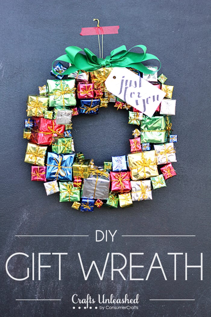 DIY miniature gift wreath