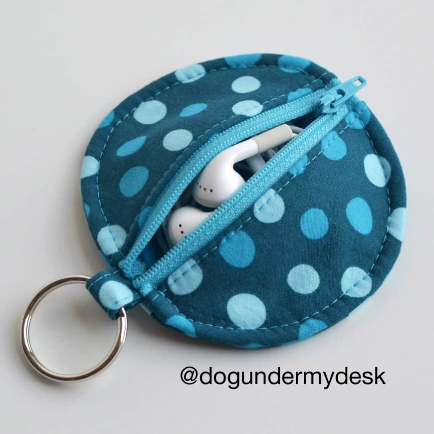 DIY zipped earbud pouch