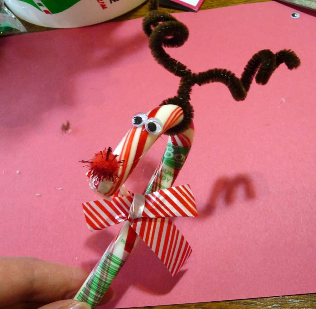 Easy candy cane and pipe cleaner reindeer craft