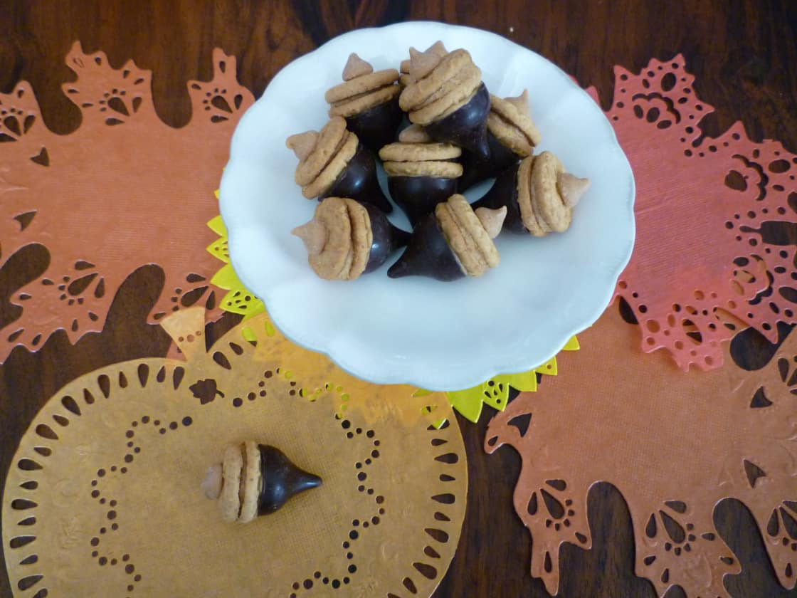 Sweet acorn treats