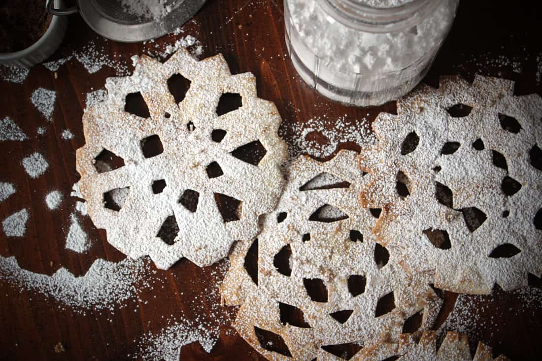 Sweet tortilla snowflakes 15 Snow Themed Dessert Recipes Filled with Flavour