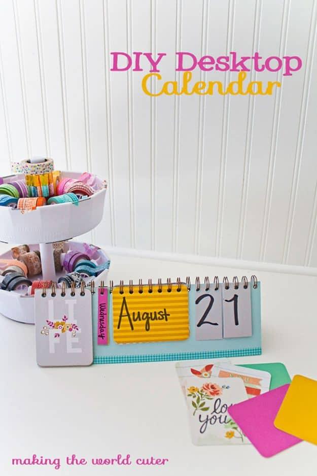 Pretty DIY flipping desktop calendar