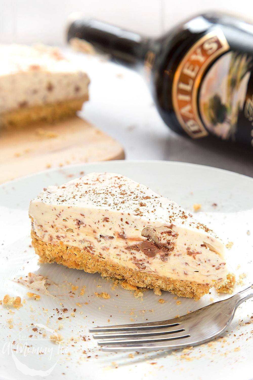 Bailey's Irish cream no-bake chocolate cheesecake